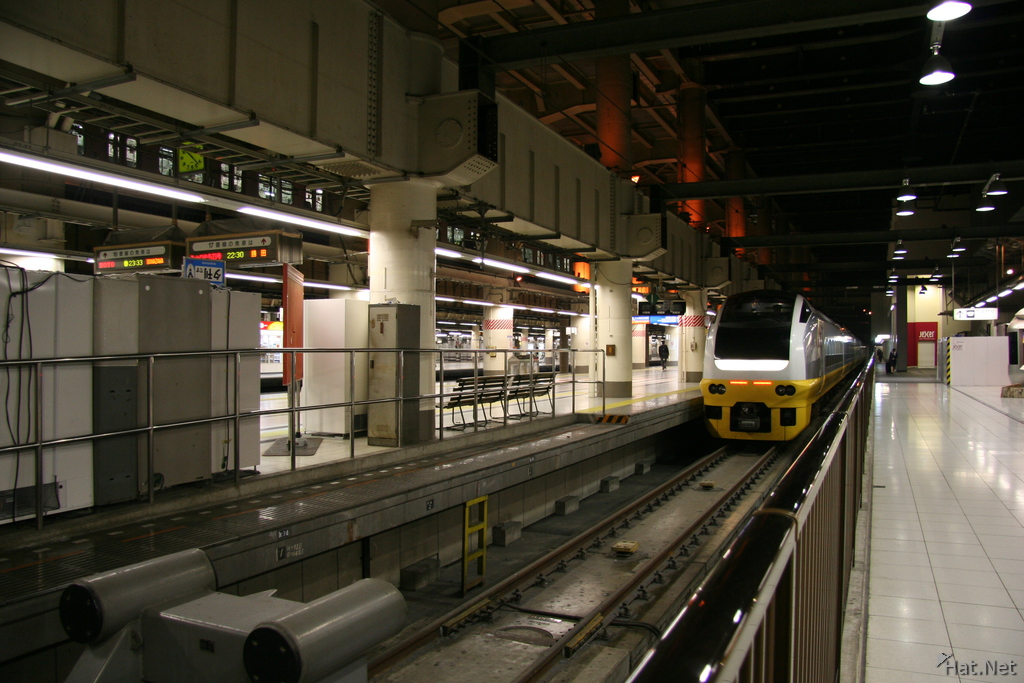 transport--train in akihabara station