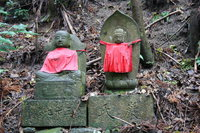 twin statues of buddha