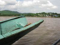 20080927153732_wooden_boat_to_laos_border