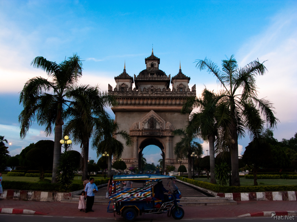 patuxai and taxi