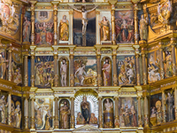 20101115173837_view--altar_of_monastery_st_jeronimos