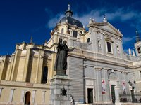 20101118110516_view--cathedral_of_madrid
