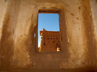 20101017103434_view--kasbah_hole