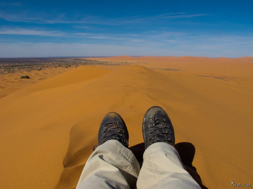view--hiking on erg chebbi